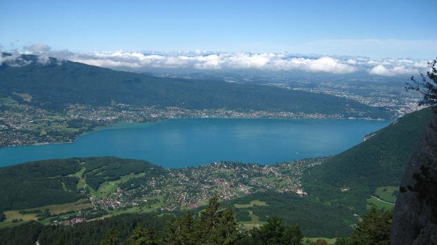 Une villa au bord du lac d'Annecy